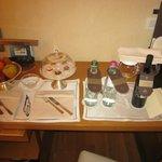 detalle de las cortesías del hotel en la habitación