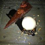 Pecan treacle tart
