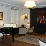 Hotelbar mit Piano