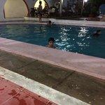 A piscina à noite funciona até as 21h