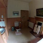 Malvern Family Suite, Private Bathroom