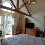 Worcester Double Suite with Balcony and Beams