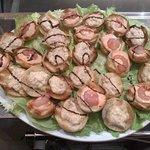deliziosi aperitivi preparati con cura da Mimmo e Franco***