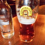 A melhor cerveja de Londres achei no Pub do Hotel