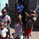Kinder, die Laura betreut