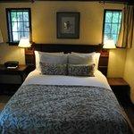 Manor East suite bedroom
