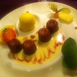 canelé et boule de vanille (BOF)