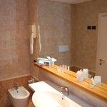 Hotel Dei Duchi: detail bathroom