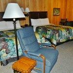 Double Room W/ 1 Recliner