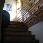 Escalier menant aux 6 chambres