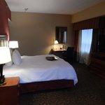 Room 801, Bedroom