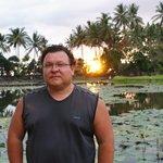 Я на озере лотосов в Чандидасе.