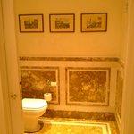 particolare toilette