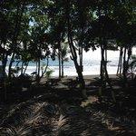 Playa Hermosa (5min)