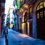Entrada Hulot B&B Valencia