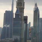 vue du 40ème le jour, derrière la Burj Kali