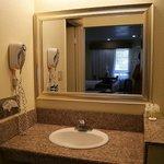 バスルームと独立した洗面台