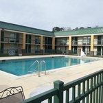 Photo de Econo Lodge near Ft. Stewart