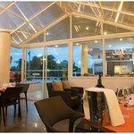Wine De Bay dinning room