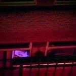 Вид из окна прямо на Красные Фонари