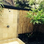 Lumbung Hut shower