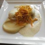 Filet de Carrelet parfumé feuille de lime, crémeux de panais à l'orange