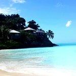 plage du jolly beach, à côté de l'hotel Coco's