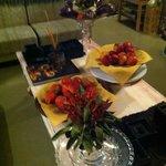 Living mesa de centro con frutas, área común