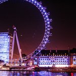 Vista de frente da London Eye