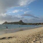 Vista di Pigeon Island dalla spiaggia di Rodney Bay