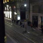 остновка трамваев под окном