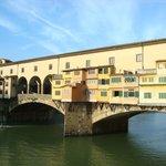Ponte Vecchio, davanti all'albergo
