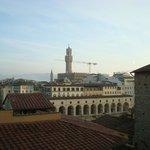 Cupola del Duomo e Torre di Palazzo Vecchio dal terrazzo dell'albergo