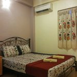 Double room air-cond with share bathroom Windows..