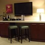 Bar, mini-fridge, in-room coffee, HD-Plasma TV