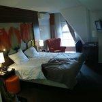 5th floor bedroom