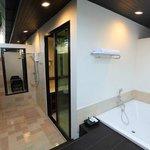 Suite99 Bathroom