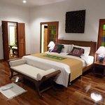 6 - Bedroom