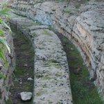 神殿の谷・・・温泉を流すお湯の道
