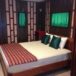 Coût de la chambre : env 35 euros la nuit incluant 2 petits dej