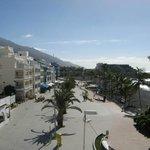 View to south (promenade, beach)