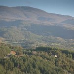 Il nostro maneggio con alle spalle il Monte Amiata