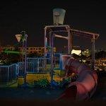 Вид из номера на спящий аква-парк (детская площадка)
