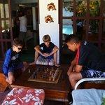 Da até pra jogar um xadrez