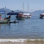 Playa de Abraao y crucero al fondo