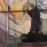 Estatua de San Padre Pío en el santuario