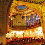 アールヌーボー建築の美しい音楽ホール