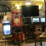 Lobby/Dining/Internet area