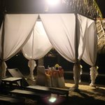 Romantic dinner for two on the beach (included in the gold package)
