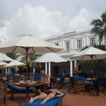 Restaurant/pool bar